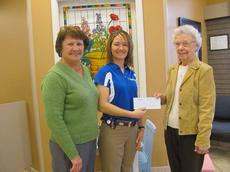 """<div class=""""source""""></div><div class=""""image-desc"""">Margaret Claywell (left) and Alyson Schwartz, (center) Medica Pharmacy, presents a $2,000 check to Paralee Stansbury for the United Way.</div><div class=""""buy-pic""""></div>"""