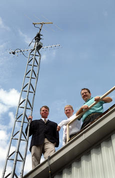 """<div class=""""source"""">Tom Dekle/Nelson County Schools</div><div class=""""image-desc"""">Bill Bennett, John Sanders and Charlie Cantrill stand on the roof of the Nelson County Area Technology Center (NCATC) next to a communications antenna. The three educators are key players in an effort to create a career pathway to integrate academics and technical courses and prepare students for careers in space science. Bennett is science department chairman at Nelson County High School. Sanders is principal of NCATC. Cantrill is information technology instructor at NCATC.</div><div class=""""buy-pic""""></div>"""