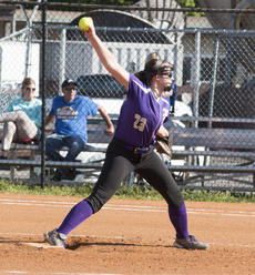 """<div class=""""source"""">PETER W. ZUBATY/The Kentucky Standard</div><div class=""""image-desc"""">Sophomore Elyssa Craig is back in the circle for Bardstown this season. She will split time there with Maria Young.</div><div class=""""buy-pic""""></div>"""