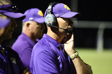 "<div class=""source"">Peter W. Zubaty</div><div class=""image-desc"">Former coaching colleagues David Clark (above) and Ron Koontz (below) come into the playoffs with their respective teams on seemingly divergent paths. Clark and the Bardstown Tigers have won three straight going into their home contest against Metcalfe County, while Koontz, the former Bardstown assistant and current Bethlehem head coach, is hoping his team can stop its three-game skid tonight at Russellville.</div><div class=""buy-pic""><a href=""http://web2.lcni5.com/cgi-bin/c2newbuyphoto.cgi?pub=191&orig=dclark.JPG"" target=""_new"">Buy this photo</a></div>"