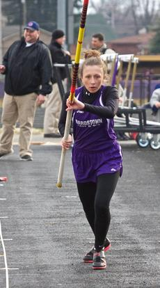 "<div class=""source"">Peter W. Zubaty</div><div class=""image-desc"">Bardstown senior Emily Bowling is hoping to better her fourth-place finish at state last year in the pole vault.</div><div class=""buy-pic""></div>"