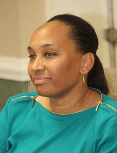 """<div class=""""source"""">RANDY PATRICK/The Kentucky Standard</div><div class=""""image-desc"""">Councilwoman Kecia Copeland smiles as Capt. McKenzie Mattingly of the Bardstown Police Department reads a letter in response to his open records request about her iPad use. """"This is retaliation at its best,"""" she later said at a press conference.</div><div class=""""buy-pic""""><a href=""""/photo_select/80911"""">Buy this photo</a></div>"""