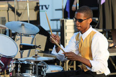 "<div class=""source"">RANDY PATRICK/The Kentucky Standard</div><div class=""image-desc"">Michael Wright plays drums for the Tiger Chorale.</div><div class=""buy-pic""><a href=""http://web2.lcni5.com/cgi-bin/c2newbuyphoto.cgi?pub=191&orig=michael_wright_0.jpg"" target=""_new"">Buy this photo</a></div>"