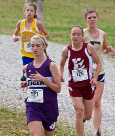 "<div class=""source"">Peter W. Zubaty</div><div class=""image-desc"">Senior Katie Sidebottom (left) is Bardstown's most experienced runner.</div><div class=""buy-pic""></div>"