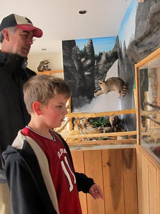 """<div class=""""source"""">KACIE GOODE/The Kentucky Standard</div><div class=""""image-desc"""">Shawn Taylor and his son, Jack, of Oklahoma, along with the rest of their family, visited Bardstown's Museum Row as part of their spring break vacation. Shawn Taylor said the family came to Kentucky to see horses, battlefields and other historic attractions. They plan on making several other stops in the state along the way. </div><div class=""""buy-pic""""><a href=""""http://web2.lcni5.com/cgi-bin/c2newbuyphoto.cgi?pub=191&orig=thetaylors3.jpg"""" target=""""_new"""">Buy this photo</a></div>"""