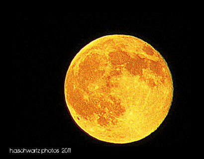 Images of Full moon for October 2011, The Hunter's Moon