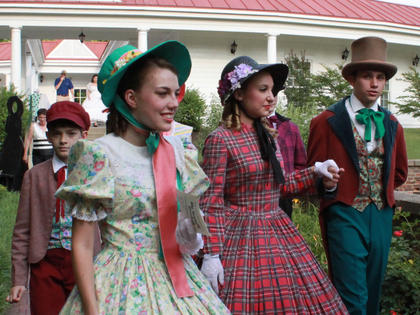 """Guests at the Opening Night Gala & Garden Party June 11 had the opportunity to meet cast members of """"The Stephen Foster Story."""""""