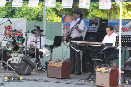 Harold Hutchins and the Fearless Heart Band accompanied the acts on stage Monday night.