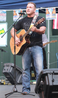 Chris Hall, Louisville, performed in the Showdown.