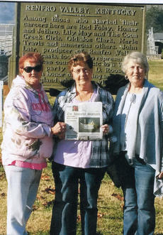 """<div class=""""source"""">Sumbitted</div><div class=""""image-desc"""">Mary Navarro, Ruby Breedin and Arnold Downs took the Kentucky Standard to Renfro Valley. along with Linda Downs, who took the picture.</div><div class=""""buy-pic""""></div>"""
