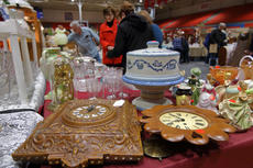 """<div class=""""source"""">KACIE GOODE/The Kentucky Standard</div><div class=""""image-desc"""">Terri Greenwell, of Mount Washington, was selling some of the clocks she and her dad collected over the years, as well as numerous items from her in-laws&#039; estate at the Antiques Show this weekend.</div><div class=""""buy-pic""""><a href=""""/photo_select/94376"""">Buy this photo</a></div>"""