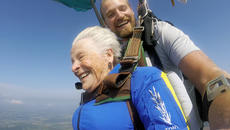 """<div class=""""source"""">SUBMITTED PHOTO</div><div class=""""image-desc"""">Audrey Simek and instructor Jim Wade enjoy the scenery as they skydive in Elizabethtown Saturday morning.</div><div class=""""buy-pic""""></div>"""