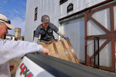 """<div class=""""source"""">KACIE GOODE/The Kentucky Standard</div><div class=""""image-desc"""">Barrels are loaded for transport Monday morning at Willett Distillery as Kentucky craft brewers plan to use them for a brewing experiment.</div><div class=""""buy-pic""""><a href=""""/photo_select/91562"""">Buy this photo</a></div>"""