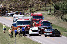 "<div class=""source"">NEAL CARDIN/The News-Enterprise</div><div class=""image-desc"">Emergency responders work the scene of a fatal wreck Monday afternoon on Ky. 210 in front of the Elizabethtown Country Club.  </div><div class=""buy-pic""></div>"