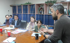 "<div class=""source"">RANDY PATRICK/The Kentucky Standard</div><div class=""image-desc"">Forrest Berkshire, editor of The Kentucky Standard and news director of PLG TV-13, answers questions from a group of Tajikistani journalists.</div><div class=""buy-pic""><a href=""/photo_select/81638"">Buy this photo</a></div>"