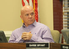 """<div class=""""source"""">RANDY PATRICK/The Kentucky Standard</div><div class=""""image-desc"""">Mayor John Royalty listens to a discussion regarding a City Council investigation of his administration. He later objected to his memo warning employees not to talk to council members being described as a """"gag order.""""</div><div class=""""buy-pic""""><a href=""""/photo_select/81817"""">Buy this photo</a></div>"""