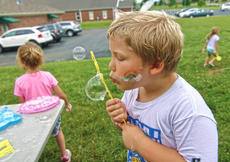 "<div class=""source"">KACIE GOODE/The Kentucky Standard</div><div class=""image-desc"">Kids play with bubbles during Bardstown Primary School's Tigerpawlooza Friday.</div><div class=""buy-pic""><a href=""/photo_select/95853"">Buy this photo</a></div>"