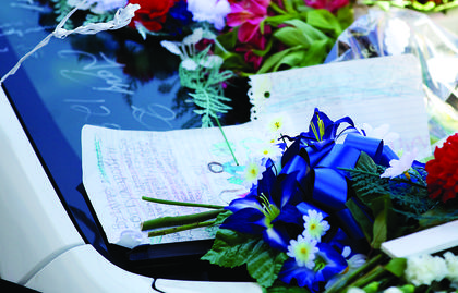 Among the tributes left in memory of fallen Bardstown Police Officer Jason Ellis over Memorial Day weekend were handwritten notes.