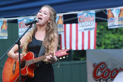 Mary Kutter performed Monday night.
