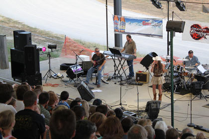 Makayla Richardson, representing WBRT in Bardstown, sang to a crowded grandstand at the Texaco Country Showdown state finals at the Nelson County Fairgrounds Sept. 3, 2011.