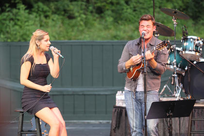 Jessie Rose Pennington and Jordan English performed Monday night.