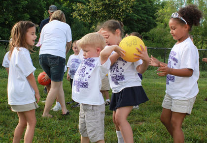 "Students play ""over and under"" at the Bardstown Primary School Tigerpawlooza field day June 2, 2011."