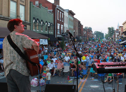 Fingerpicking champion Pat Kirtley performs at Pauly Zarb's 2011 Bardstown Street Concert on North Third Street in Bardstown July 9. Bardstown Main Street Manager Rita Riley estimated the event drew a crowd of 2,500 or more.