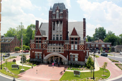 JUNE 1, 2011: The year-long Streetscape Project is complete, with new brick and landscaping encircling the Old Courthouse in downtown Bardstown. Move through the slideshow to see a timeline of the Streetscape Project from beginning to Grand Re-opening.