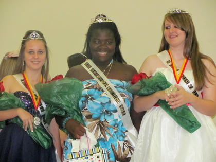 Northeast Nelson Historical Harvest Homecoming pageant Queen was Aleah Graham, center. First runner-up was Becky Hardin, right, and second runner-up was Michaela Patton. The queen contest was held Sept. 23.